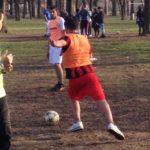 Uno scontro in campo: i nostri ragazzi indossavano la casacca arancione